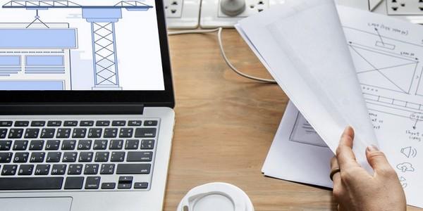 Le web designer crée du graphisme pour le web